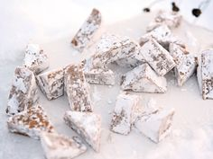 Snörullad pepparkaksfudge (kock Louise Johansson) Swedish Christmas Food, Vegan Christmas, Xmas Food, Christmas Candy, Christmas Baking, All Things Christmas, Christmas Time, Christmas Cookies, Holiday