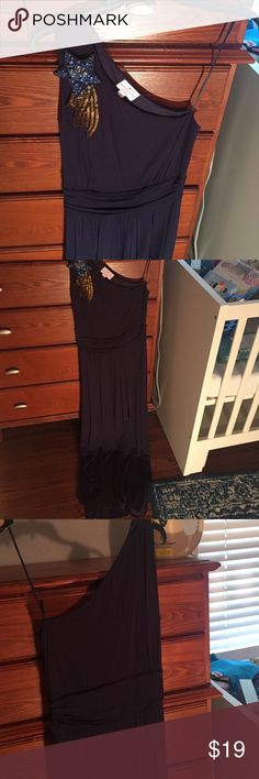 Navy full length jrsy knit dress w/star appliqué Super fun, one shoulder, full length dress.  Size 6. Brand is Matthew Williamson for Macy's. Appliqué is of shooting star. I wore this to a summer wedding and would also be great for New Years. VGUC. Dresses
