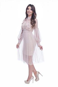 Rochie de ocazie dantela roz prafuit din tul cu broderie dantela   MyFashionizer High Low, Wedding, Dresses, Fashion, Embroidery, Valentines Day Weddings, Vestidos, Moda, Fashion Styles
