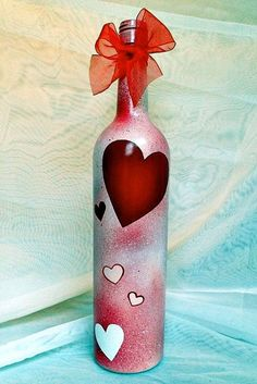 Valentine's Day Wine Bottle / Cute & Classy Wine by Hinzpirations Old Wine Bottles, Wine Bottle Corks, Glass Bottle Crafts, Painted Wine Bottles, Diy Bottle, Glass Bottles, Decorated Bottles, Decorative Wine Bottles, Wine Glass