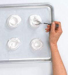How to Make Mini Pavlovas