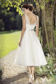 e57cb341e87f tb-doris Fifties style wedding dress Tb Wedding Dresses, Bridesmaid Dress  Styles, Wedding