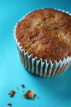 Sticky breakfast muffins made from diced rhubarb buttermilk and wholemeal flour. Based on a Rachel Allen recipe. Muffin Recipes, Brunch Recipes, Baking Recipes, Breakfast Recipes, Breakfast Ideas, Rhubarb Muffins, Rhubarb Crumble, Rachel Allen, Ireland Food