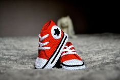 Red - crochet baby -  booties - crochet shoes. Too cute!