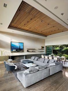 Wooden Ceiling Design, Ceiling Design Living Room, Wooden Ceilings, False Ceiling Design, Living Room Designs, Plafond Staff, Outdoor Decorative Lights, Home Interior Design, House Design