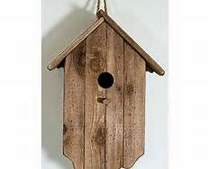 When it comes to birds, avid watchers know that you can never have too many bird houses in your yard. Birds appreciate these items during the nesting and migration seasons, which can just about cover the entire year in some areas. Bird House Plans, Bird House Kits, Bird House Feeder, Bird Feeders, Bird Tables, Birdhouse Designs, Bird Aviary, Bird Houses Diy, Bird Boxes