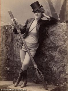 Vintage Burlesque Photos From The 1890s COLLECTED by Charles H. McCaghy, a professor emeritus at Bowling Green State University in Ohio (TAG: PUBLIC DOMAIN)
