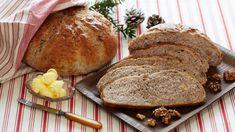Julens nøttebrød Norwegian Christmas, Scones, Sweets, Bread, Baking, Food, Kefir Milk, Christmas Cakes, Xmas