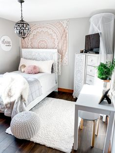 For the girls Teen Boho Bedroom Makeover — Cottonwood + Rose How To Care For Silk Sheets Article Bod Room Decor Bedroom, Small Room Bedroom, Redecorate Bedroom, Bedroom Interior, Bedroom Makeover, Tween Girl Bedroom, Aesthetic Bedroom, Room Decor, Remodel Bedroom