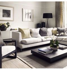 4 Rules for Creating the Perfect Living Room - Jessica Elizabeth Diy Living Room Decor, Living Room Lounge, Living Room Sofa, Living Room Interior, Living Room Furniture, Home Decor, French Living Rooms, French Country Living Room, Classic Living Room