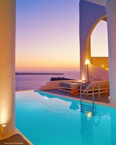 Charisma Suites, Santorini, Greece Vacation Resorts, Hotels And Resorts, Best Hotels, Santorini Hotels, Santorini Greece, Hotel Pool, Beautiful Hotels, Cool Pools, Beautiful Architecture