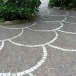 fan pattern in paved patio - Pavement Design Outdoor Patio Pavers, Garden Pavers, Paver Walkway, Garden Floor, Paved Patio, Outdoor Landscaping, Driveway Landscaping, Walkways, Decking