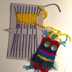 Weaving year, # class # weaving - Fabric Crafts for Kids and Beginners Projects For Kids, Diy For Kids, Craft Projects, Crafts For Kids, Arts And Crafts, Weaving For Kids, Weaving Art, Yarn Crafts, Fabric Crafts