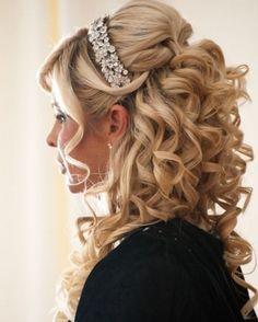 15 Braut-Haar-Ideen: Half-Up Hairstyles 15 Bride Hair Ideas: Half-Up Quince Hairstyles, Fancy Hairstyles, Bride Hairstyles, Hairstyle Wedding, Sweet 16 Hairstyles, Down Curly Hairstyles, Bridal Hairdo, Evening Hairstyles, Hairstyles 2016