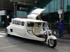 Harley Davidson Limousine, so freaking dope!