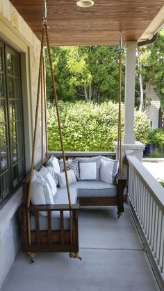 36 Perfect Ideas For Small Front Porch – Page 9 Outdoor Porch Bed, Outdoor Spaces, Outdoor Living, Small Front Porches, Decks And Porches, Front Porch Swings, Porch Furniture, Swing Seat, Porch Decorating
