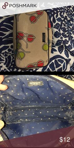 Kate spade make up bag Bag shows some signs of use inside as you can see from the second picture but is still is great condition! kate spade Bags Cosmetic Bags & Cases