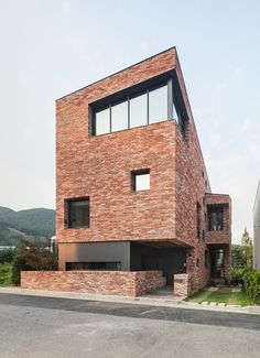 L House by AandD