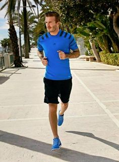 David Beckham running in Adidas Climacool shoes David Beckham Adidas, Adidas Climacool Shoes, David Beckham Family, Marathon Running Shoes, Sport Outfits, Summer Outfits, Gym Style, Sport Man, Mens Fitness