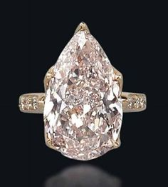 The Chic Technique:  Pear-shaped diamond engagement ring.