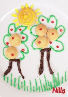 Snack time and playtime collide with this fun masterpiece made with Nilla Wafers! What a fun way to delight your kids with a surprise.