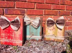Picture frame for table top with burlap bow and jute string distressed by Higgi House Picture frame on a wooden block made from 2x8s. These are