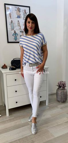 Magenta, White Jeans, Capri Pants, Fashion, Capri Trousers, Moda, La Mode, Fasion, Fashion Models