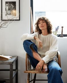 Effortlessly chic – the Stephanie blouse has a feminine touch that works well with 9-5 outfits. Made using 100% linen which uses way less water than other fibres to grow, the Stephanie features gathered sleeves with shell buttons. Pair this blouse with your favourite pair of jeans and some boots for a chic everyday look. Linen Long sleeve High neck Gathered sleeves Shell buttons Material: 100% Linen New Zealand Winter, Everyday Look, Shell, Feminine, Buttons, Fashion Outfits, Touch, Group, Chic
