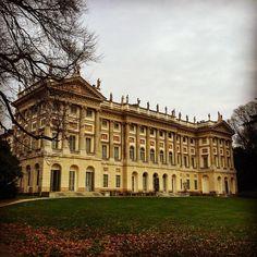 Villa Reale #milano #italy #volgomilano #volgolombardia #volgoarte #vivomilano #milanodavedere #milanocityufficiale #gam by amore_e_psiche_