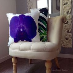 One Chic Corner!! #greentropicdesigns#chic#style#art#homedecor#designs#interiordesigns#pillows#orchid#philodendron#sofa#interior#bold#chair#corinnestieglerdesigns