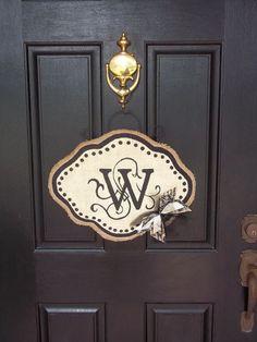 Monogram Burlap Door #Garland #Banner| http://bannerandgarland94.blogspot.com