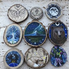 New Ideas Painting Wood Ornaments Inspiration Wood Burning Crafts, Wood Burning Art, Wooden Crafts, Diy And Crafts, Arts And Crafts, Stone Painting, Painting On Wood, Wood Ornaments, Wood Slices