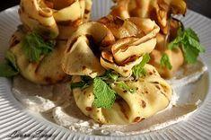 Boccelute cu mere, clatite cu mere si vanilie Malaga, Potato Salad, Potatoes, Ethnic Recipes, Food, Potato, Essen, Meals, Yemek
