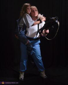 Ellen Ripley & Newt - Aliens Movie Halloween Costume Idea