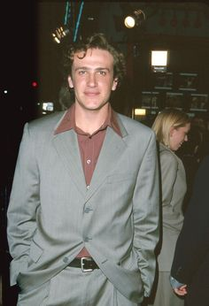 Pin for Later: A Nostalgic Look Back at Celebrities' Earliest Red Carpet Appearances Jason Segel, 1999 Brad Williams, Michelle Williams, Beautiful Boys, Pretty Boys, Beautiful People, Beautiful Pictures, Audi, Bmw, How I Met Your Mother