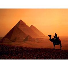 Egyptian pyramids ❤ liked on Polyvore featuring backgrounds, egypt, photos, pictures and places