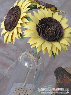 15 Fun DIY Paper Flower tutorials.: Giant Paper Sunflowers