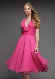 bello vestido en linea A, si tienes algo de curvas te vendrá excelente... ¿mas ideas para vestir tu figura?  http://www.imagen-vipp.com/