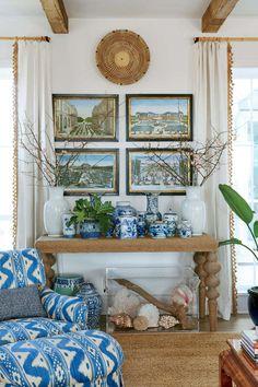 Coastal decor - sea decor for living room. Is coastal or nautical decoration suitable for a house? Beach Cottage Decor, Coastal Cottage, Coastal Homes, Coastal Style, Coastal Decor, Beach Homes, Cottage Ideas, White Cottage, Cozy Cottage