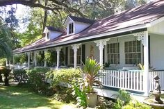 Apartment in Foley, United States. Love history? Located in our 1874 riverfront home, is our charming, cozy, mini suite with plenty of ambience. Private park steps away on Bon Secour River, 6 miles to Gulf Shores. The mini suite is perfect for a couple wanting more than a single ro...