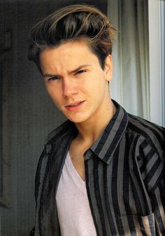 River Phoenix died on October 31, 1993 at age 23. He died of a cardiac arrest that was caused by having large amounts of heroin and cocaine in his system. His brother Joaquin, sister Rain, Flea (Red Hot Chili Peppers) and Samantha Mathis were all present at the time of his death.