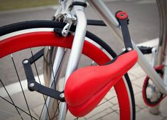 A New York-based company has unveiled designs for a bicycle seat that also functions as a one-metre-long bike lock made of steel links that fold up under the seat for storage during travel.