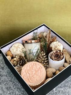 Christmas Gift Baskets, Christmas Gifts For Friends, Holiday Gifts, Christmas Beauty Hamper Ideas, Christmas Boxes, Thoughtful Christmas Gifts, Holiday Candles, Christmas Holidays, Christmas Decorations