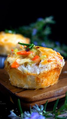 Kitchen Recipes, Cooking Recipes, Chicken And Leek Pie, Aussie Food, Good Food, Yummy Food, Fusion Food, Cheap Dinners, Recipe Link