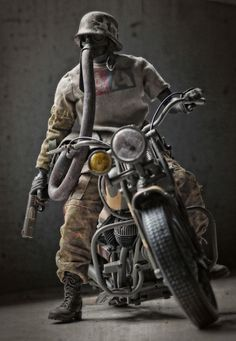Nom de Plume on a bike. Ashley Wood, Character Concept, Concept Art, Character Design, 3d Figures, Action Figures, Mad Max, Cyberpunk, Science Fiction