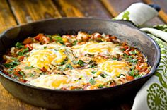 Give your usual egg recipe a break and try something different! Our Huevos Rancheros recipe makes a delicious egg skillet for four - perfect for a weekend brunch! Kraft Recipes, Egg Recipes, Brunch Recipes, Mexican Food Recipes, Breakfast Recipes, Cooking Recipes, Healthy Recipes, Huevos Rancheros, Cooking Instructions