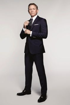 Daniel Craig Spectre 007 James Bond Suit Style Picture 002 Daniel Craig Suits Up as James