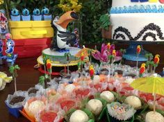 Carnivale / Rio Birthday Party Ideas | Photo 9 of 27
