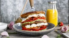 BLT Hamburger, Sandwiches, Dinner, Ethnic Recipes, Food, Dining, Food Dinners, Hamburgers, Meals
