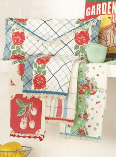 Vintage inspired Fresh Fruit Towel Pack - Blue